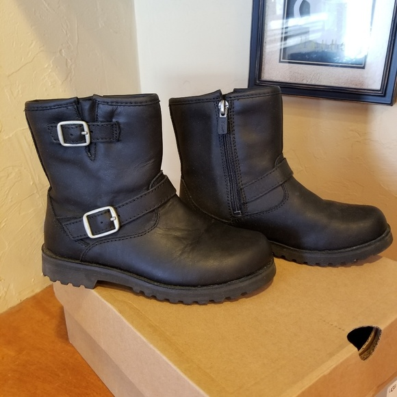 97326c92441 Girls Ugg leather boots size 2